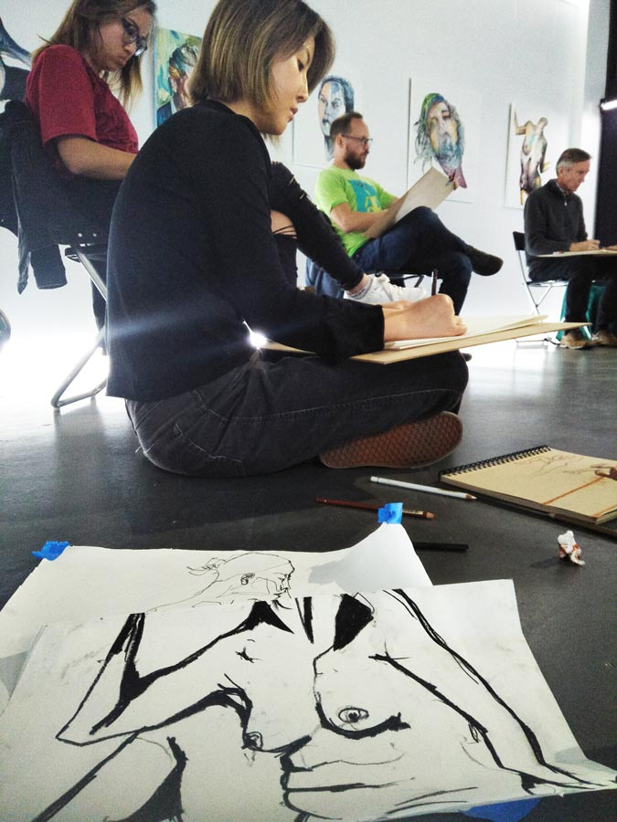 How I became a life drawing model | SBS Voices